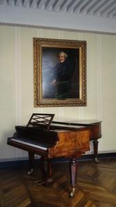 Piano Erard installé au musée