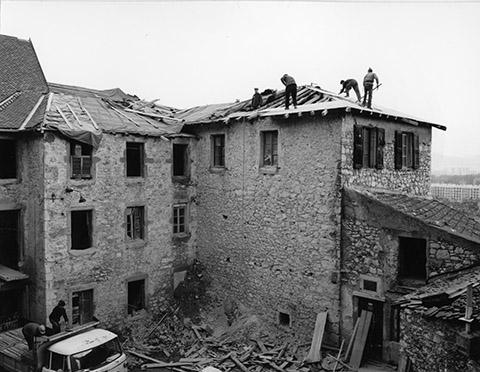 Travaux de restauration, 17 janvier et 21 mars 1967, photographies des services techniques de la ville de Grenoble @ Coll. Musée dauphinois