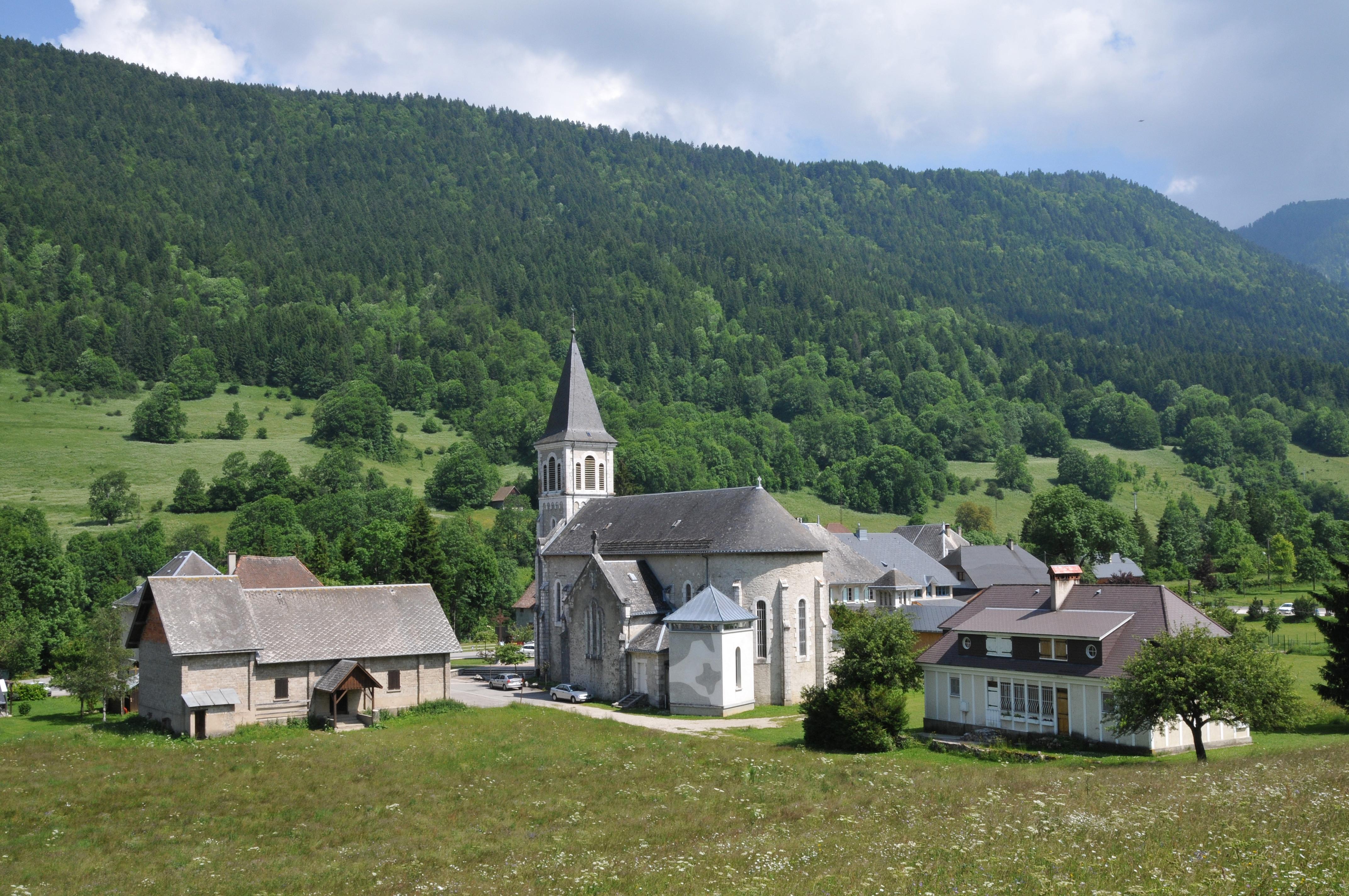 Saint-Hugues-de-Chartreuse en coeur du massif de Chartreuse